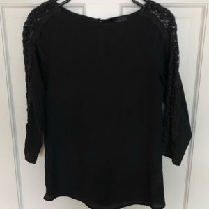 Black blouse with detail sleeves
